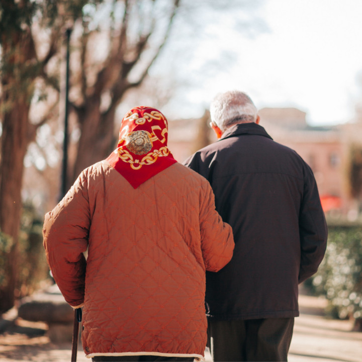 介護する人の年齢